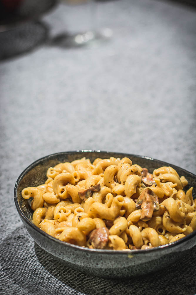 Pasta, White Sauce and Paprika Mushrooms - thespiceadventuress.com