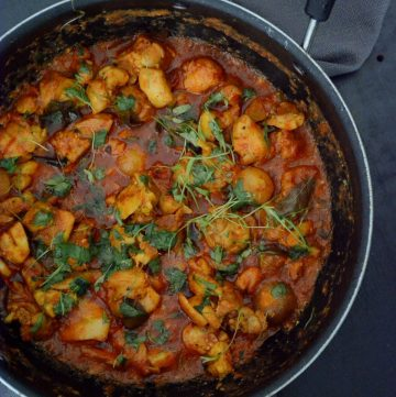 Tomato Chilli Chicken - thespiceadventuress.com