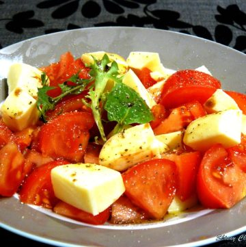 Insalata Caprese (Tomato Mozzarella Salad) - thespiceadventuress.com