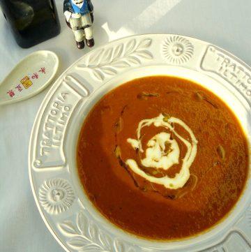Roasted Bell Pepper Soup - thespiceadventuress.com