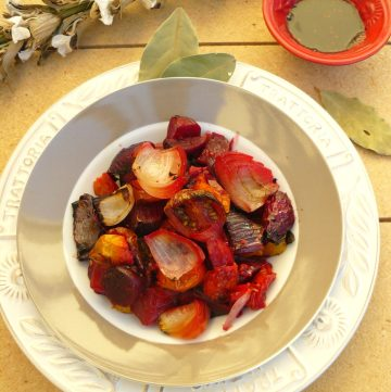 Roasted Beetroot and Onion Salad - thespiceadventuress.com