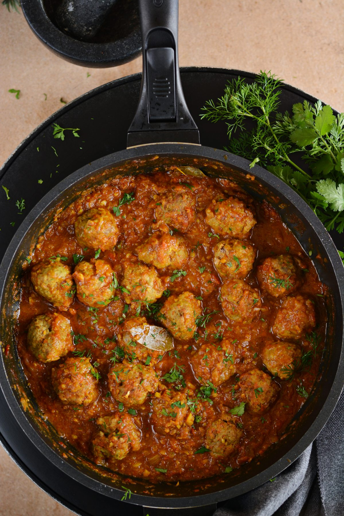 Lamb meatball curry - an everyday curry for a delicious meal - thespiceadventuress.com
