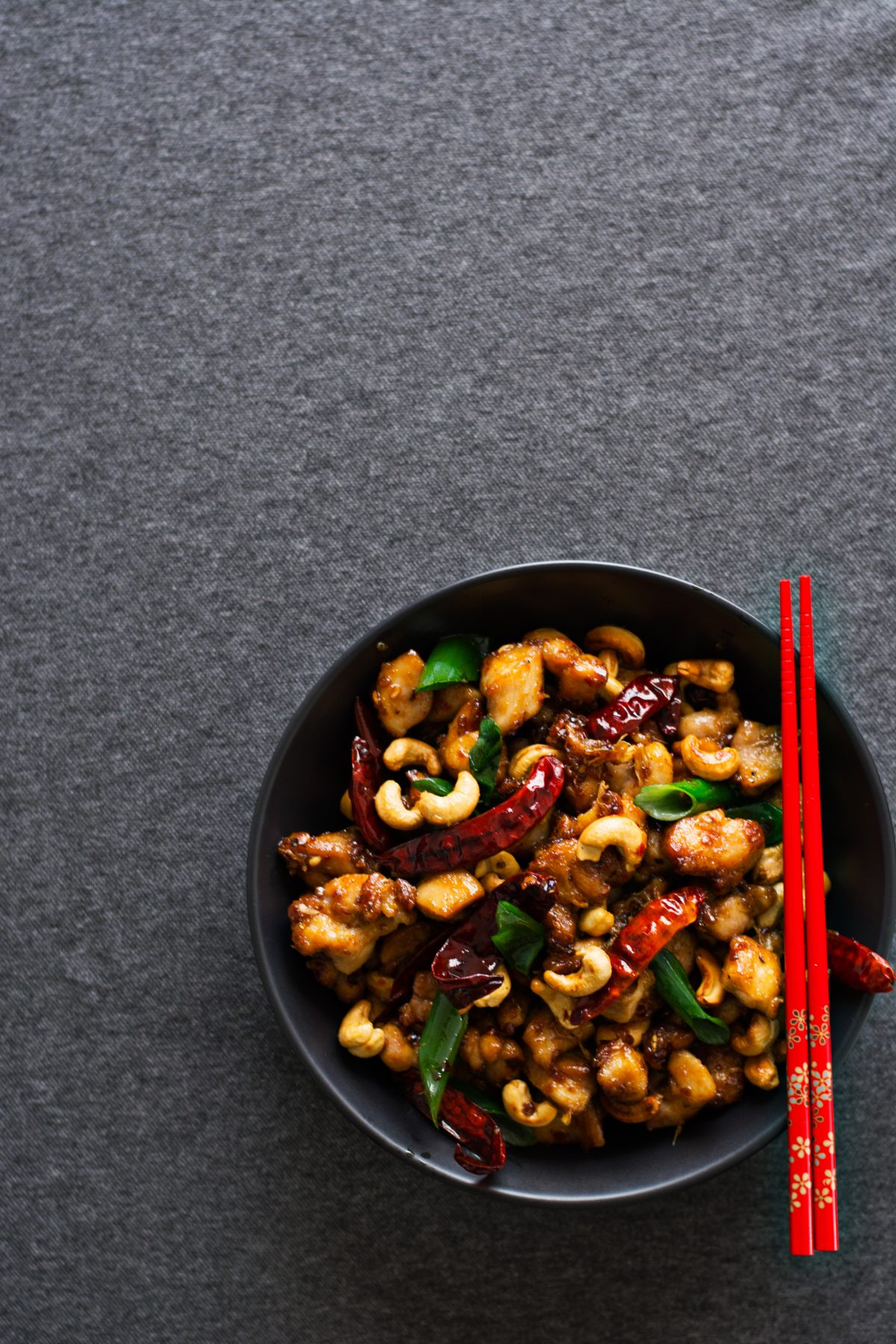 Stir Fried Chicken with Sichuan Peppercorns, Chillies and Cashews - thespiceadventuress.com