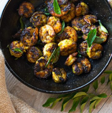 Pan fried prawns with curry leaf spice blend - thespiceadventuress.com