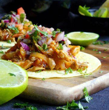 Chicken Tinga Tacos with Roasted Poblano Salsa - thespiceadventuress.com