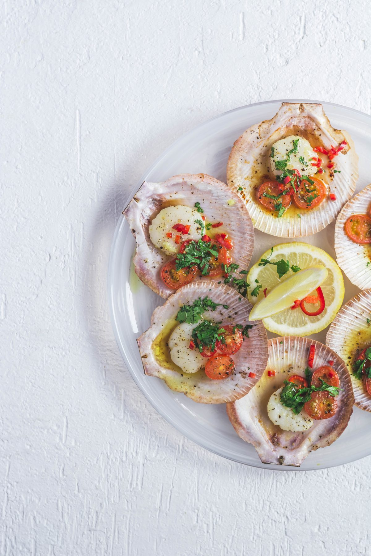 Grilled Scallops with Garlic Butter and Chillies - thespiceadventuress.com