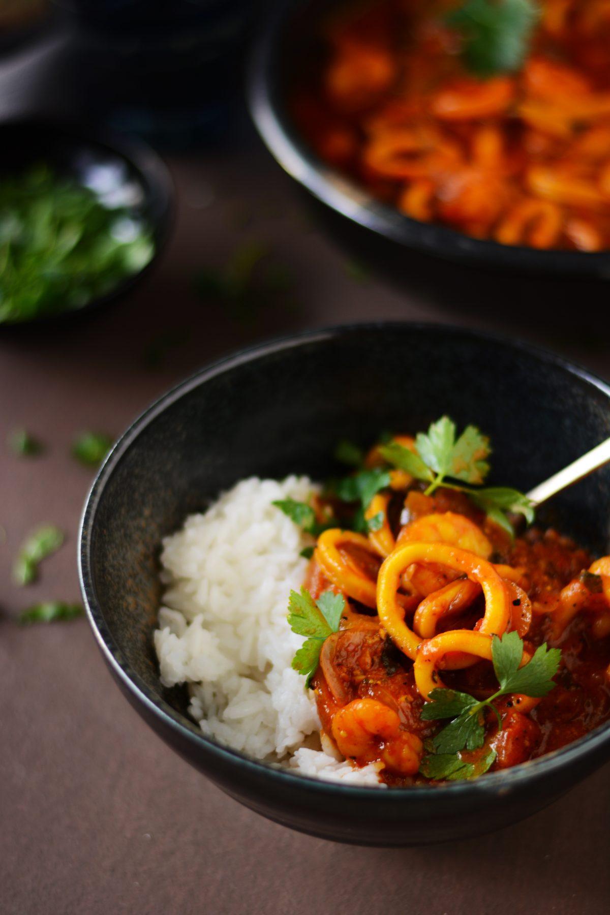 Squid, prawn and saffron stew - an indulgent, rich and delicious seafood stew with saffron - thespiceadventuress.com