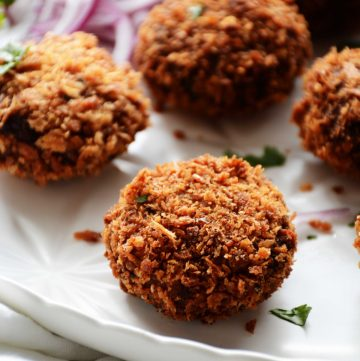 Spicy Tuna Croquettes - perfect for the party season - thespiceadventuress.com