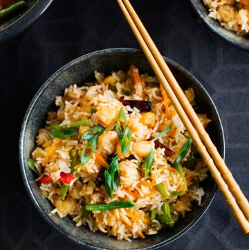 Chilli Prawn Fried Rice - a simple and delicious one pot Indo Chinese style fried rice - thespiceadventuress.com