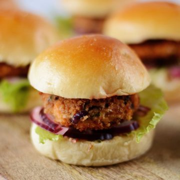 Spicy Salmon Sliders (with Kashmiri Chilli Mayonnaise) - thespiceadventuress.com