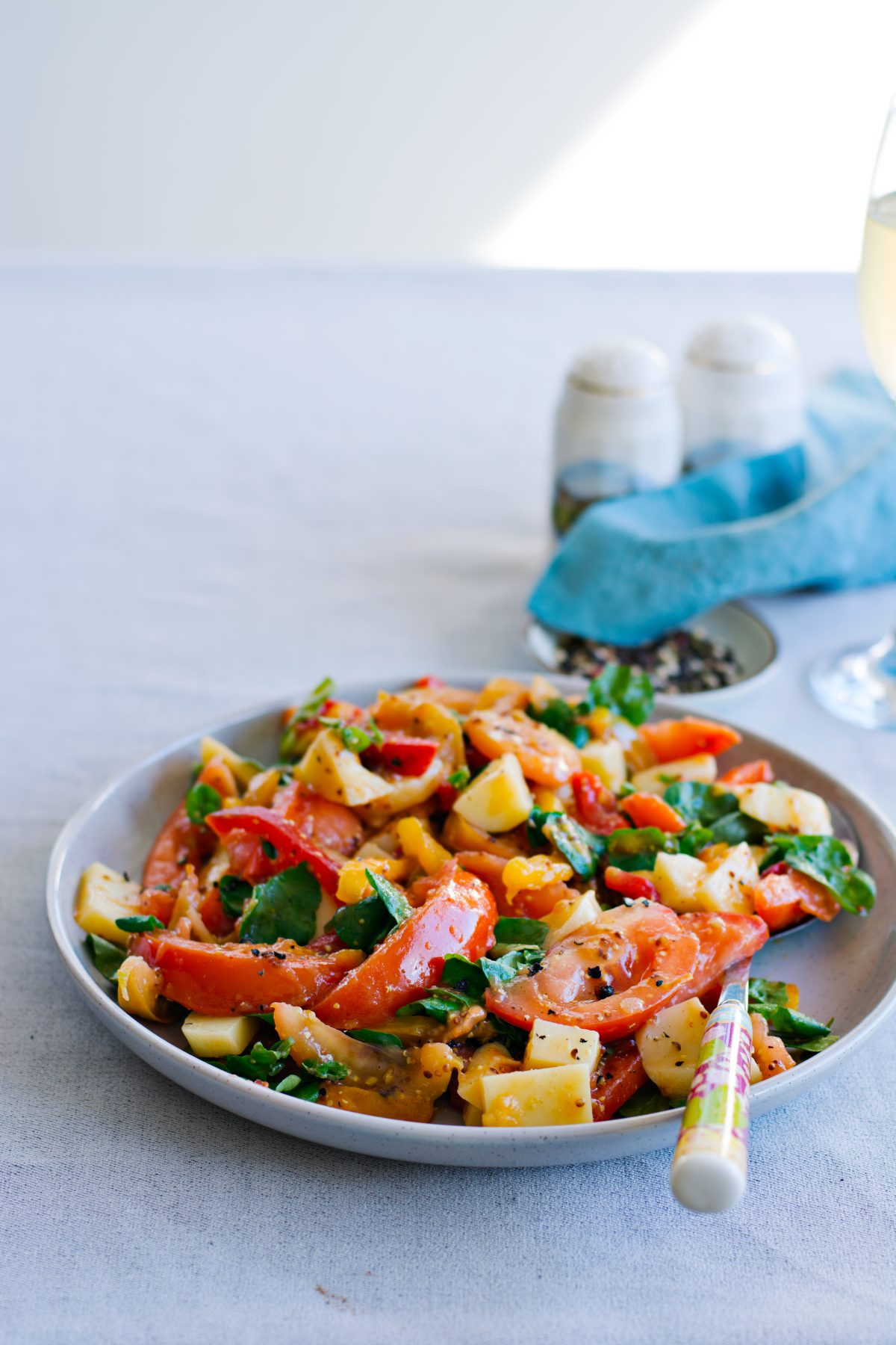 Fire roasted Bell Peppers, Tomato and Mozzarella Salad - thespiceadventuress.com