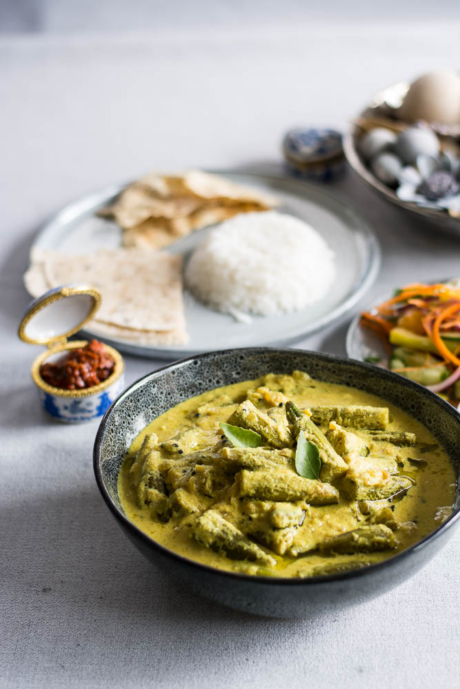 Dahi Bhindi (Indian style Okra/Ladysfinger in a Yoghurt based Gravy) - thespiceadventuress.com