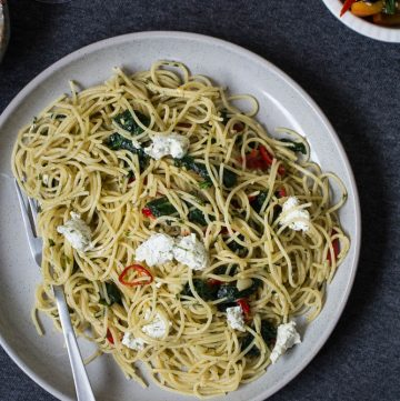 Pasta with Spinach and Goat's Cheese - thespiceadventuress.com