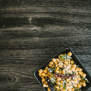 Sundal (Chickpeas with Spices and Coconut) - thespiceadventuress.com