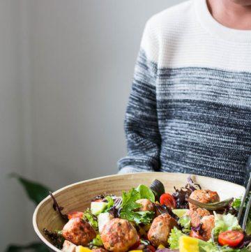 Chicken Meatball Salad - thespiceadventuress.com