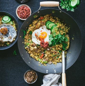Asian style Chicken Fried Rice - thespiceadventuress.com