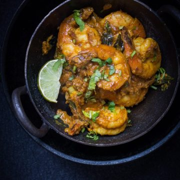 Andhra style Prawns Curry - thespiceadventuress.com