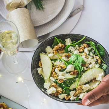 Rocket, spinach and pear salad (with feta and walnuts) - thespiceadventuress.com