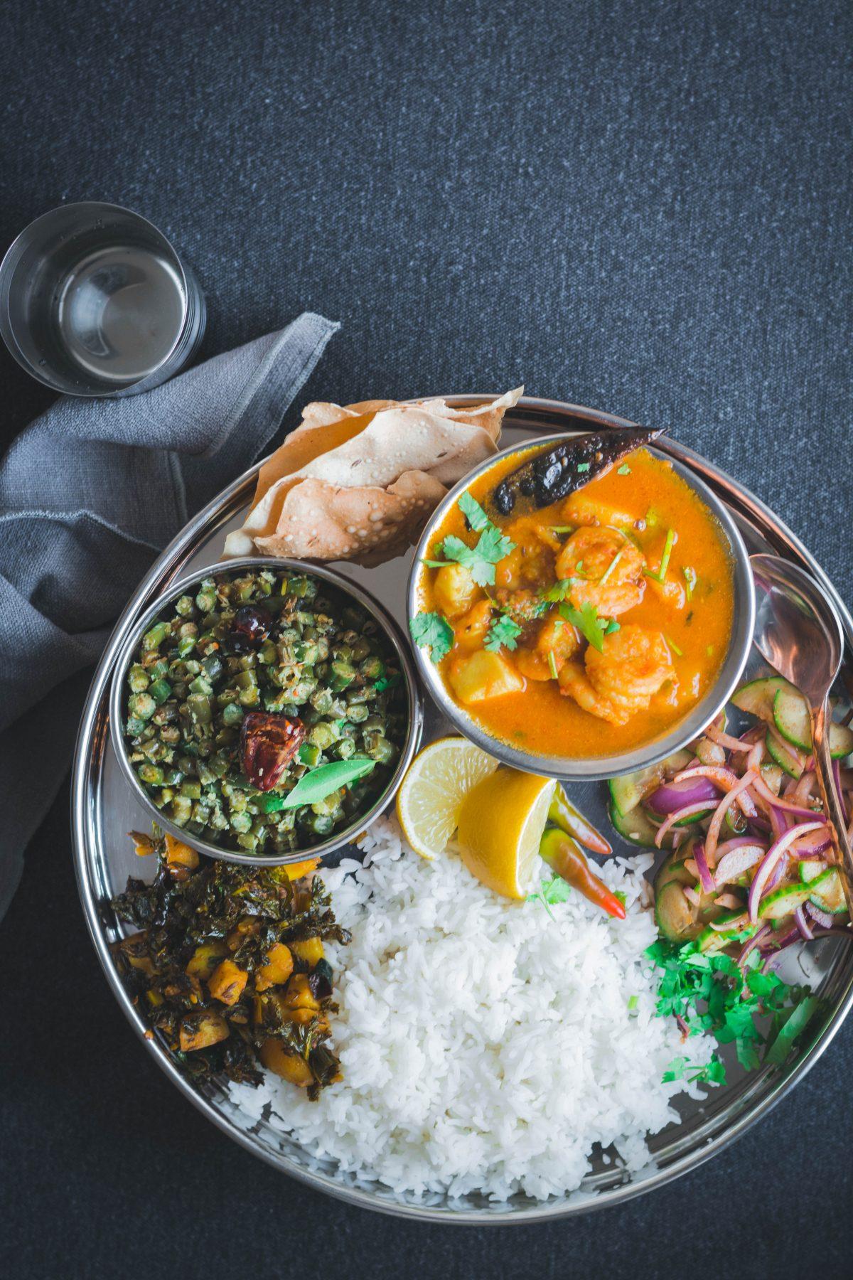 Bengali style Prawn Curry - thespiceadventuress.com